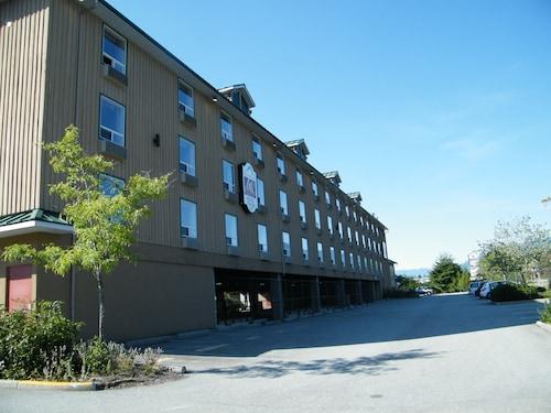 . Mountain Retreat Hotel