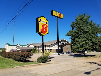 Hotel - Super 8 by Wyndham Bentonville