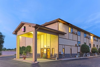 Hotel - Super 8 by Wyndham Cos/Hwy. 24 E/PAFB Area
