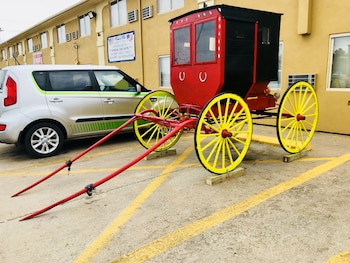Red Coach Inn & Suites Hutchinson