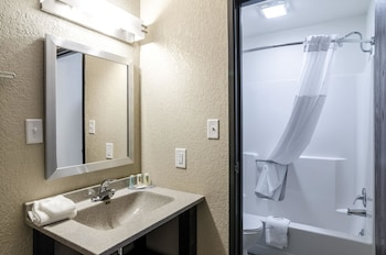 Quality Inn - Property Image 5