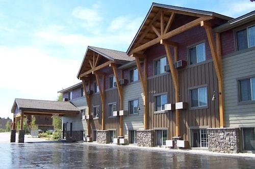 . Steamboat Hotel