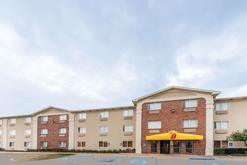 . Super 8 by Wyndham Wichita Falls