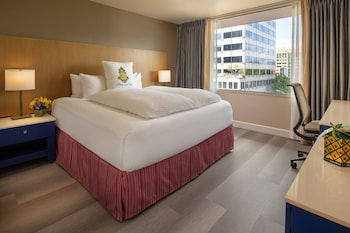 Room, 1 King Bed (Cityscape)