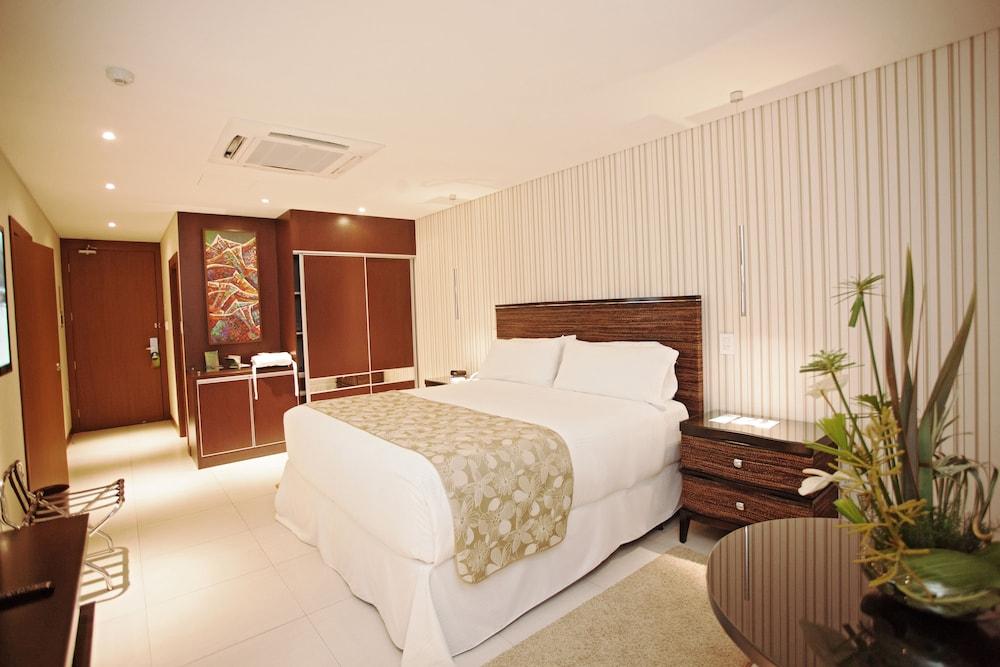 https://i.travelapi.com/hotels/1000000/450000/444500/444475/14d5e317_z.jpg