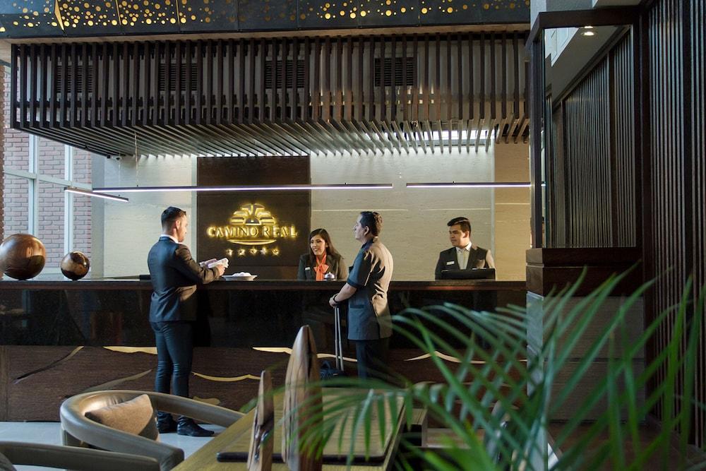 https://i.travelapi.com/hotels/1000000/450000/444500/444475/7f2acd56_z.jpg