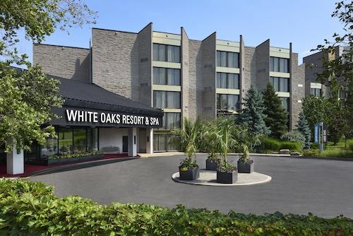 . White Oaks Resort & Spa