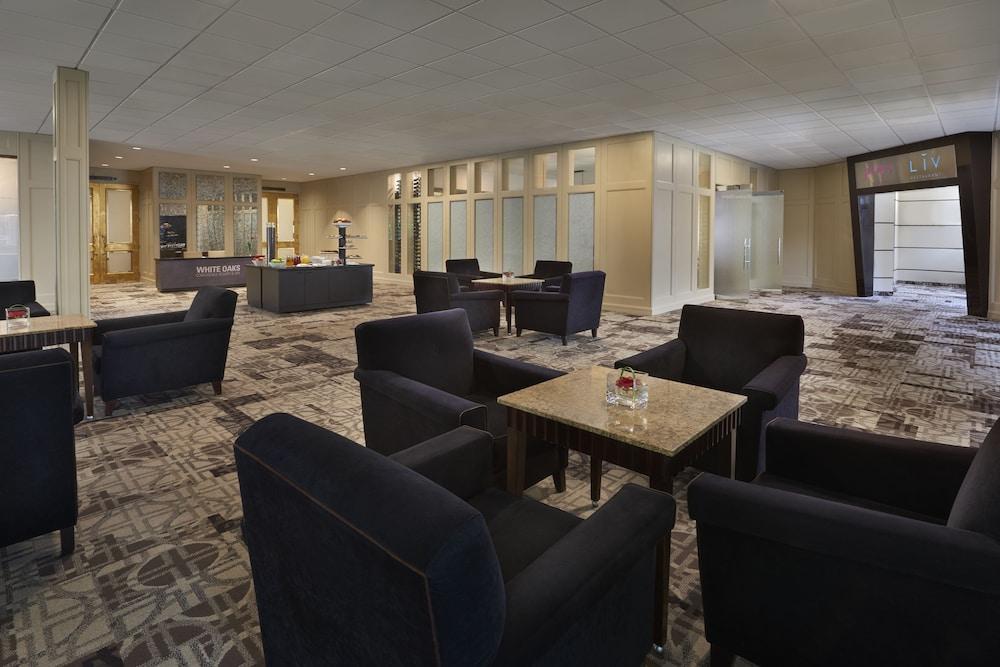 https://i.travelapi.com/hotels/1000000/450000/444600/444572/a39d353e_z.jpg