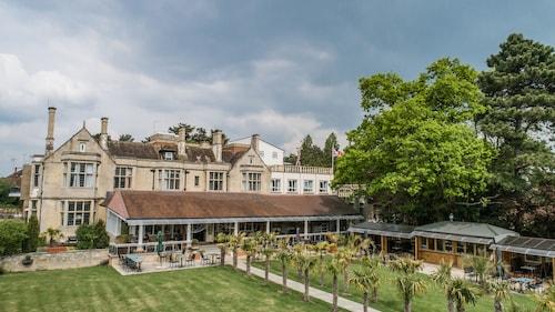 . Westone Manor Hotel