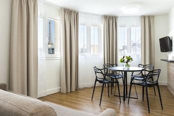 Apartment Eiffel Tower view