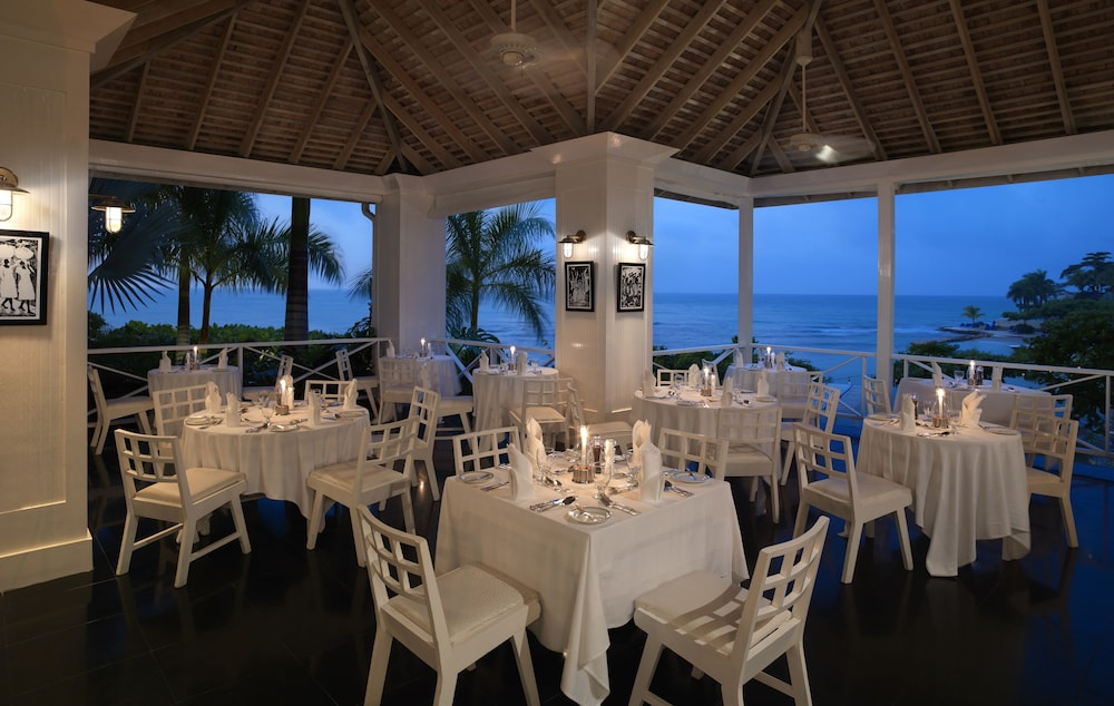 Round Hill Dining Room Montego Bay