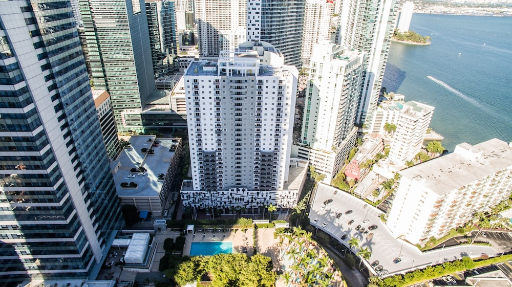 Hotel : Aerial View 4 of 113
