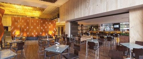 . Clarion Hotel Bogota Plaza