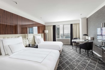 Swiss Executive Room, 2 Double Beds, Business Lounge Access (High Floor)