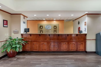 機場凱富全套房飯店 Comfort Suites Airport