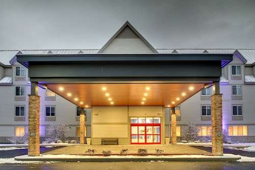 Holiday Inn Express & Suites Lincoln East - White Mountains, Grafton