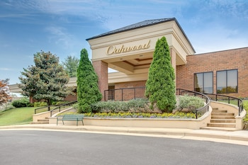 Hotel - Oakwood Falls Church