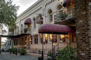 Hotel - Olde Harbour Inn,Historic Inns of Savannah Collection