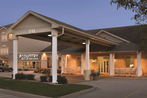 . Country Inn & Suites by Radisson, Chanhassen, MN