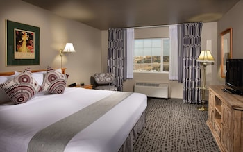 Room, 1 King Bed, City View (Coast King with City View)