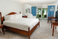 Room, 1 King Bed, Patio, Beachfront