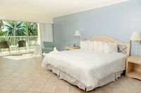 Deluxe Room, 1 King Bed, Oceanfront