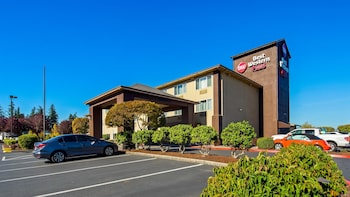Hotel - Best Western Plus Cascade Inn & Suites