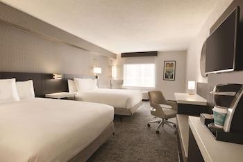 Room, 2 Queen Beds, Non Smoking (Drinks & Snacks)