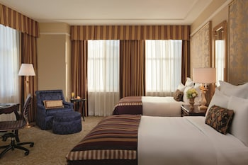Executive Suite, 1 King Bed (Club Executive)