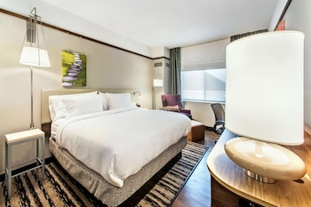 Room, 1 Queen Bed, Accessible (Hearing)