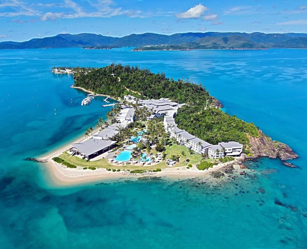 https://i.travelapi.com/hotels/1000000/460000/455200/455159/cd70bc39_z.jpg