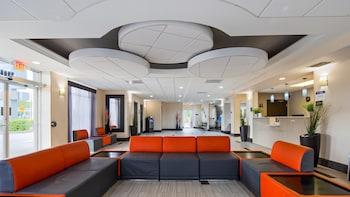 機場貝斯特韋斯特套房飯店 Best Western Airport Inn & Suites