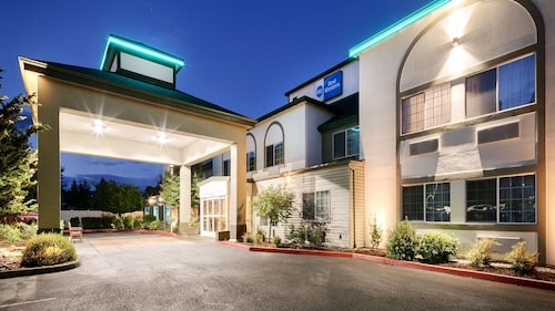 . Best Western Woodland Inn