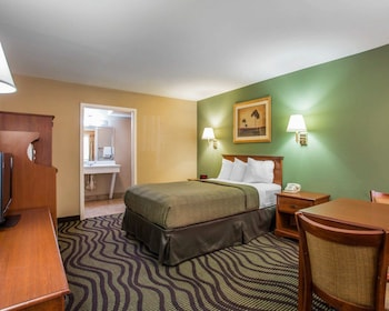 Atlanta Vacations - Quality Inn & Conference Center - Property Image 1