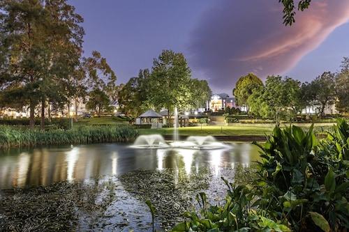 . Crowne Plaza Hawkesbury Valley, an IHG Hotel