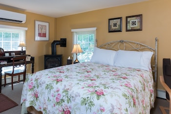Romantic Room, 1 Queen Bed, Jetted Tub