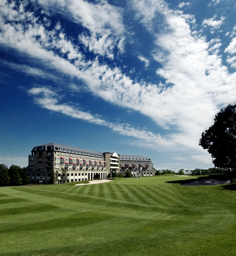 __{offers.Best_flights}__ Celtic Manor Resort