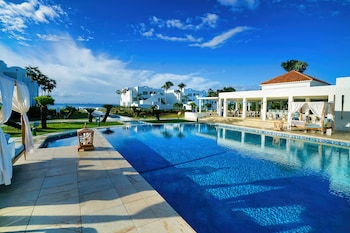 CuisinArt Resort & Spa