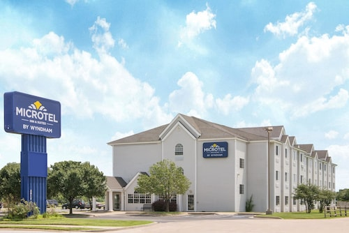 . Microtel Inn & Suites by Wyndham Independence
