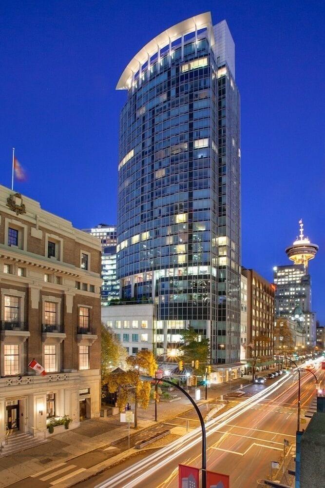 Hotel Auberge Vancouver Hotel