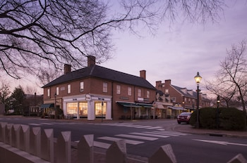 Hotel - The Fife And Drum Inn