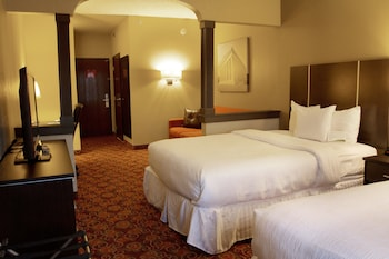 Suite (2 Queen Beds with Sofa Bed)