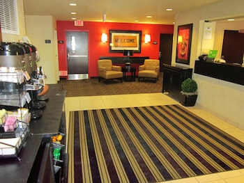 Lobby at Extended Stay America - Orlando - Maitland -1760 Pembrook Dr in Orlando