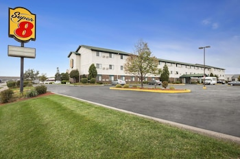 Hotel - Super 8 by Wyndham Milwaukee Airport
