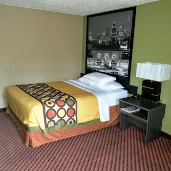 Hotel - Super 8 by Wyndham Liberty NE Kansas City Area