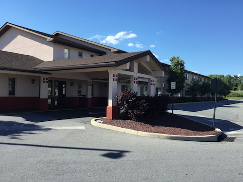 Super 8® Middletown - Middletown Ny 563 Route 211 East 10940