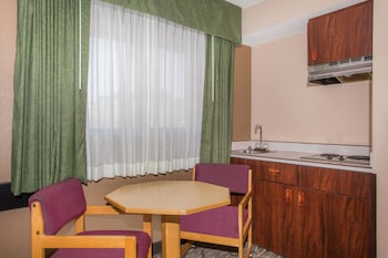 Baker City Vacations - Super 8 by Wyndham Baker City - Property Image 1