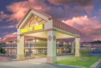 Hotel - Super 8 by Wyndham Tulsa