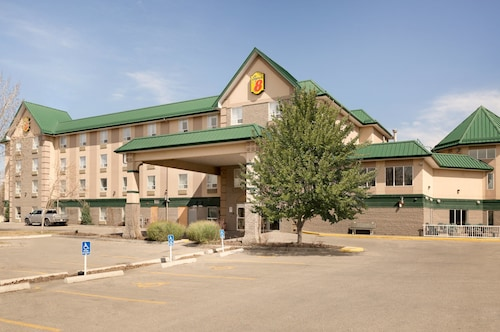 Super 8 by Wyndham Calgary Shawnessy Area, Division No. 6
