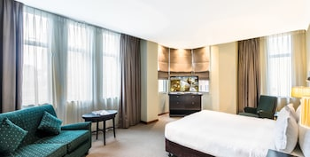 Premium Room, 1 King Bed, City View, Corner